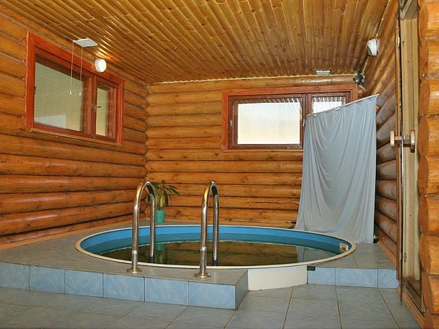 Две пары отдыхают в бане фото 603-114